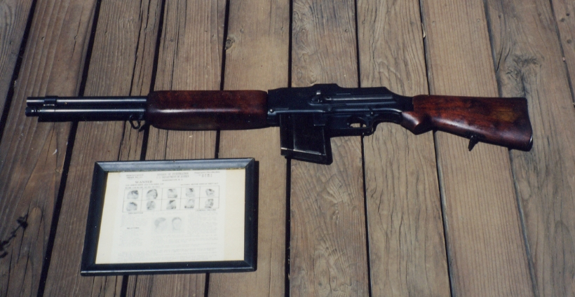 Barrow weapons